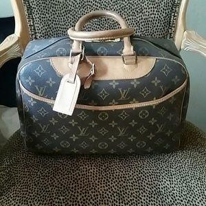 Authentic Louis Vuitton  Deauville Monogram Bag